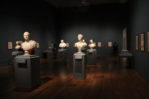 Advantages Online Art Gallery